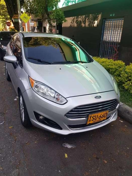 Ford Fiesta  2016 - 49000 km