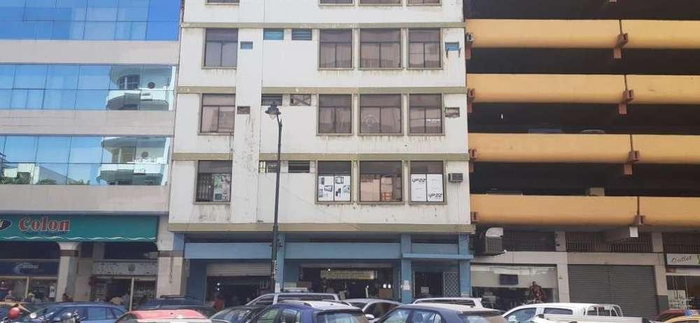 Edificio en Venta en Sector de La Bahía, Centro de Guayaquil, Locales y Oficinas
