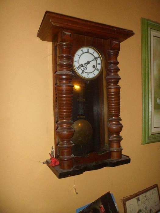 Antiguo reloj de pendulo Gustav Becker carrillon funciona alemán