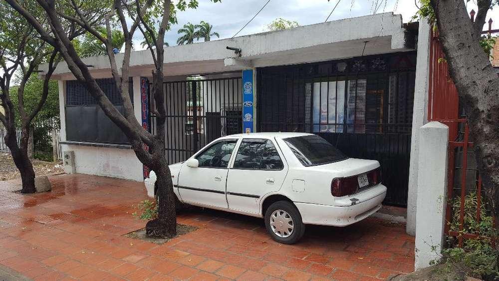 Vendo Casa - Lote Avenida Los Patios