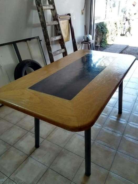 Mesa de <strong>comedor</strong> para 4 a 6 personas Sin sillas