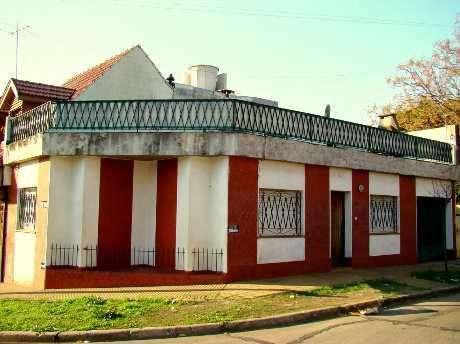 Casa PH en alquiler en Bernal Oeste