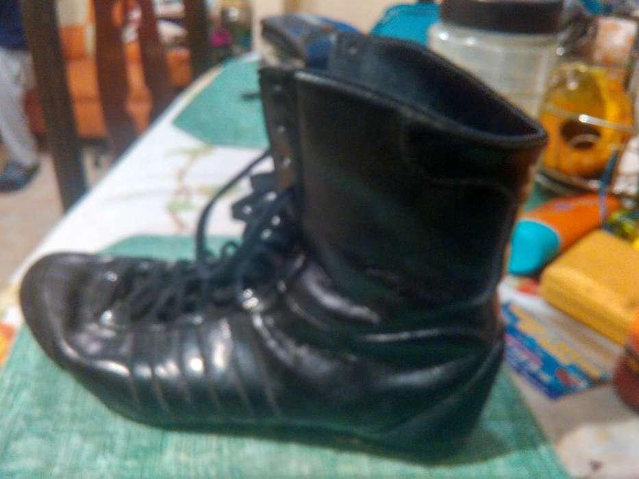 Botas Adidas para Dama Talla39 Originales