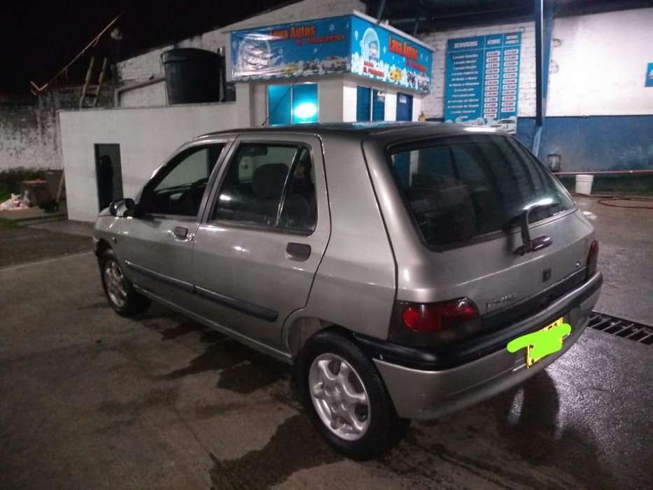 Renault Clio  2001 - 19000 km