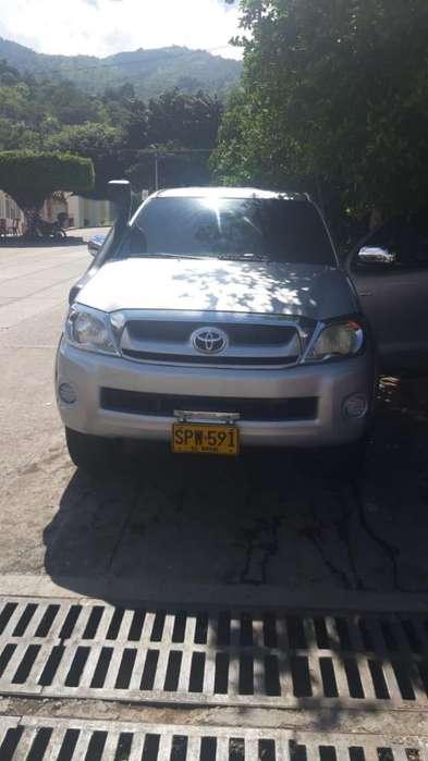 Toyota Hilux 2010 - 70000 km