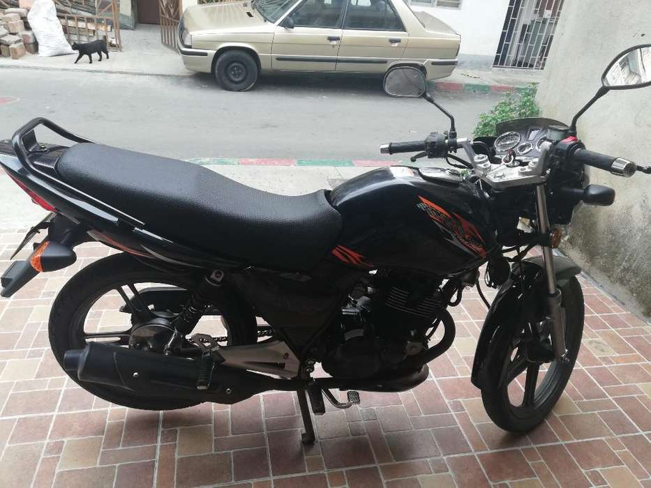 Vendo Moto Modelo 2014