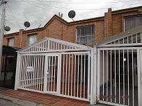 <strong>casa</strong> PARA ARRIENDO EN CHIA SECTOR CALATRAVA A1044