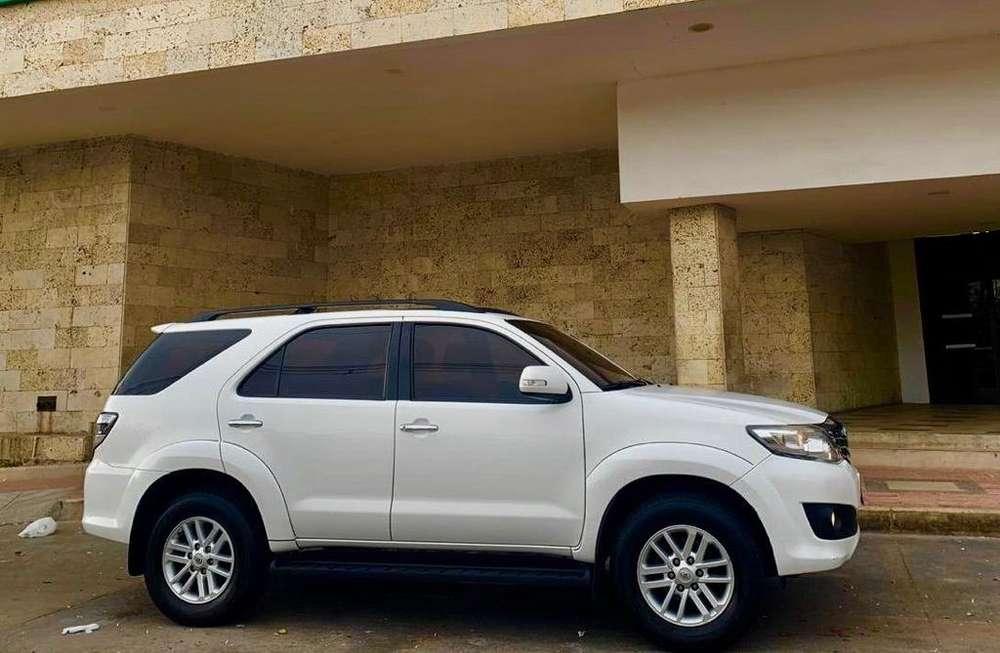 Toyota Fortuner 2013 - 104000 km