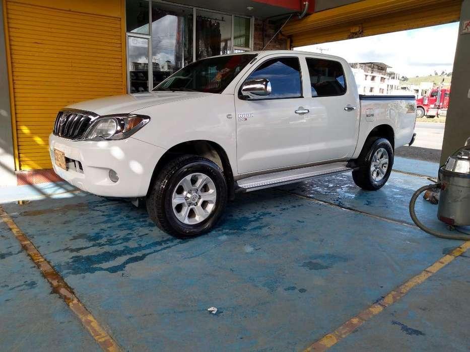 Toyota Hilux 2008 - 200000 km