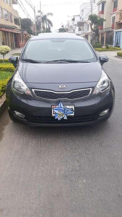 Kia Rio Sedan 2013 - 68000 km