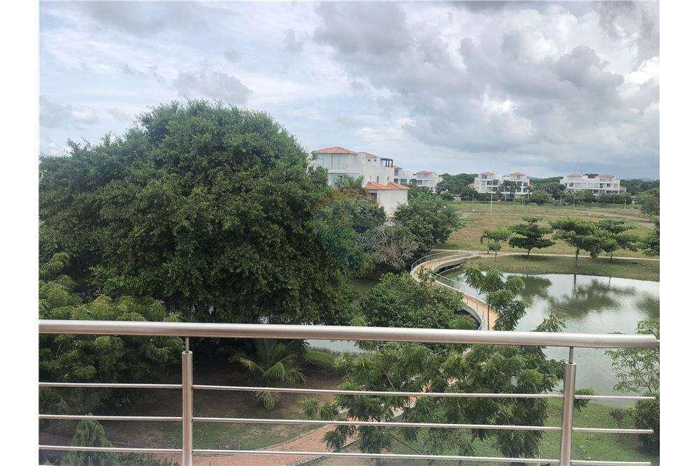 Venta Apartamento Duplex Laguna Club, Cartagena