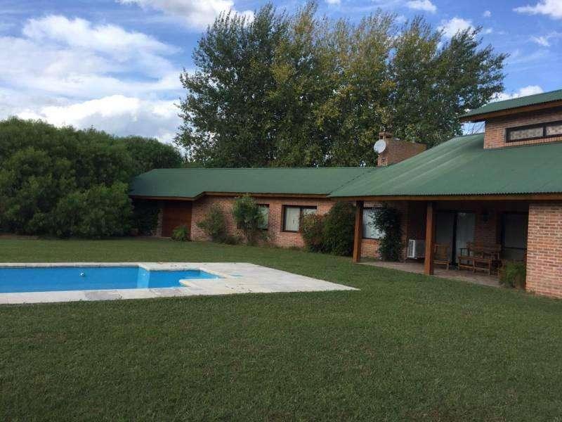 Linda casa en venta en Club de Campo La Ranita