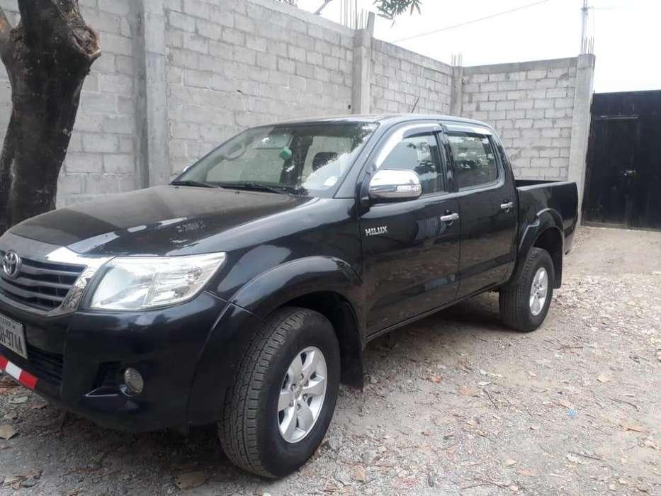 Toyota Hilux 2013 - 200000 km