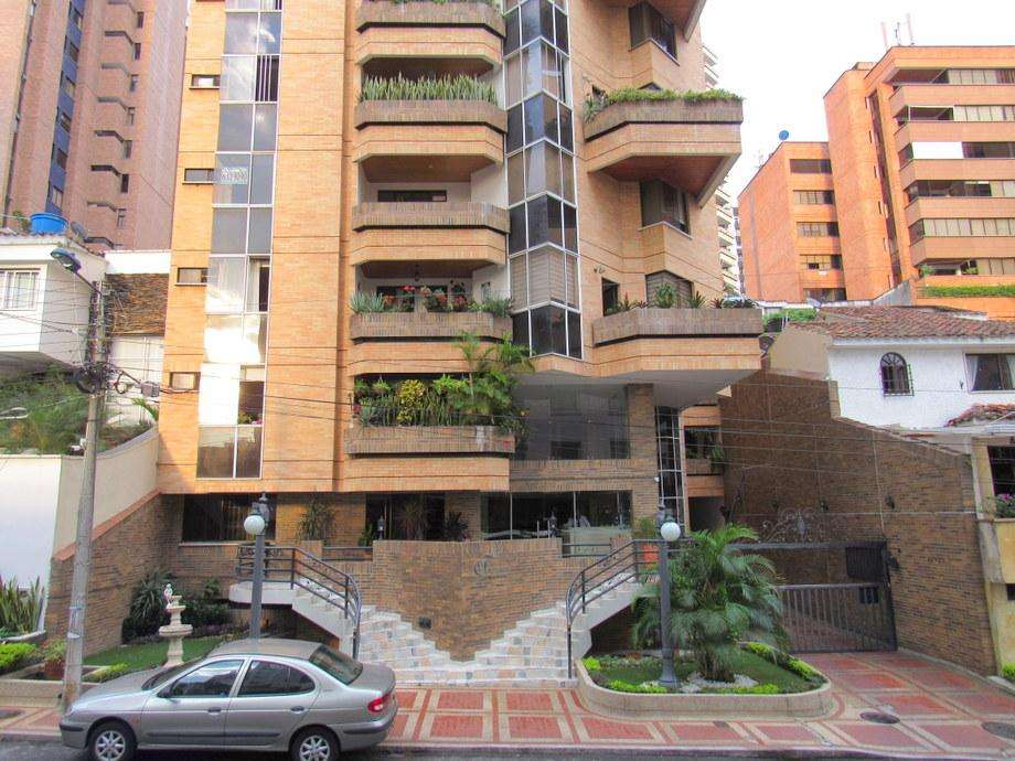 Arriendo apartamento en Ferramonti