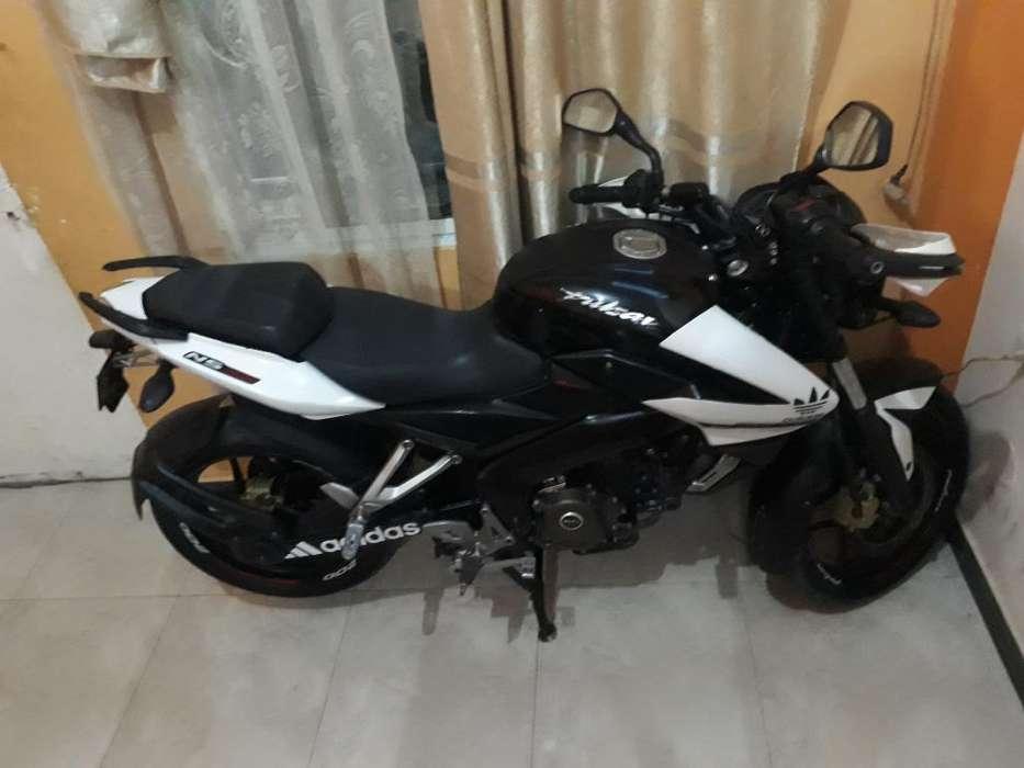Moto Pulsar 200 Como <strong>nueva</strong>