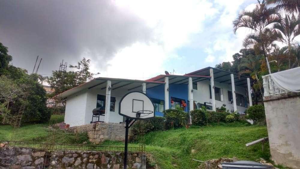 Alquilo <strong>casa</strong>quinta Mesitas Del Colegio