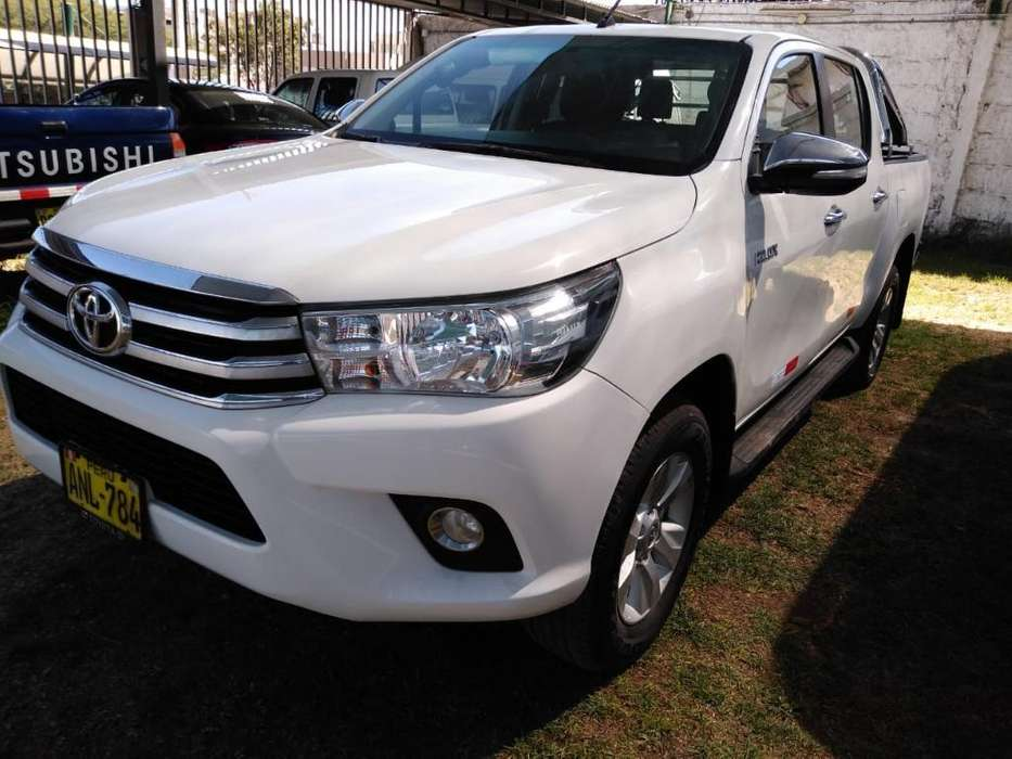 Toyota Hilux 2016 - 49000 km