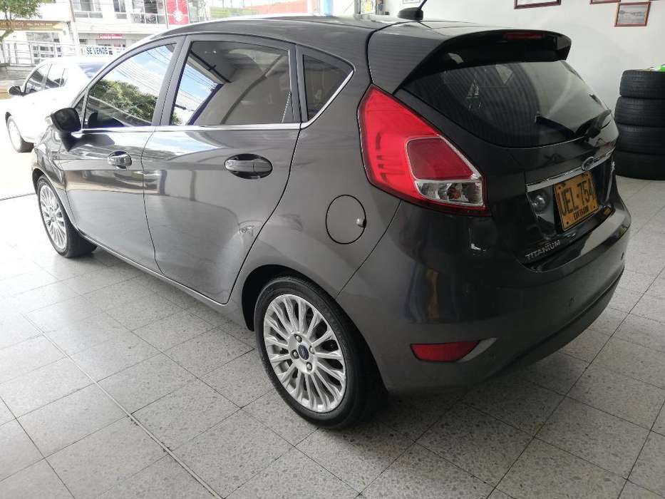 <strong>ford</strong> Fiesta  2015 - 33000 km