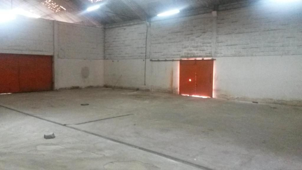 ARRIENDO BODEGA INDUSTRIAL ALTO IMPACTO, NORTE DE QUITO