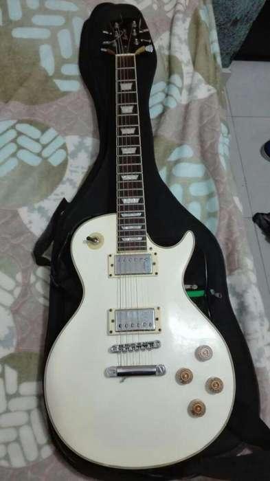 Guitarra blanca tipo les paul