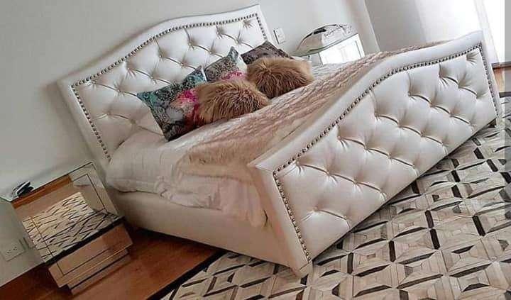 hermosa cama matrimonial