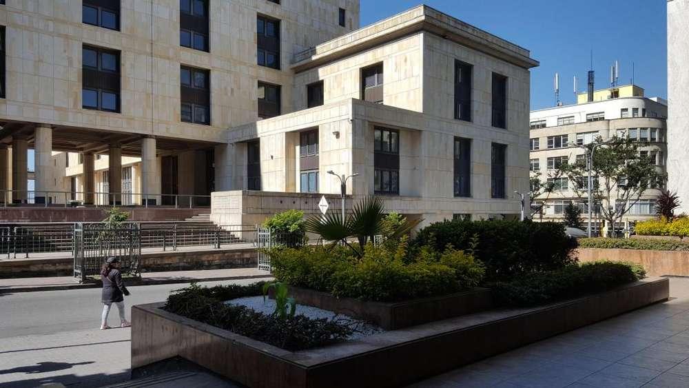 Arriendo Hermosa Oficina en el centro Frente al palacio de justicia