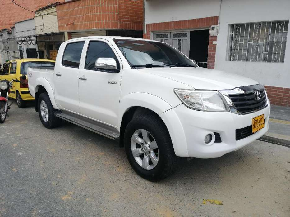 <strong>toyota</strong> Hilux 2014 - 110000 km