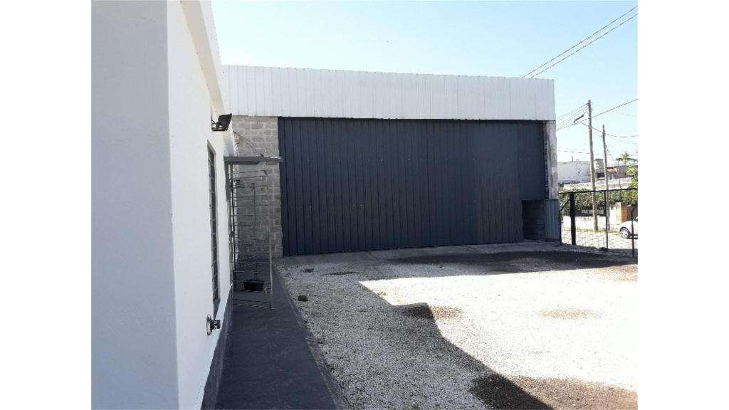 Juan B. Justo  4900 -  29.000 - Galpón Alquiler
