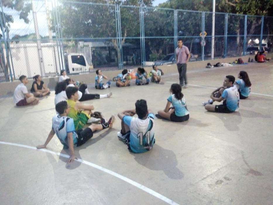 Enseñando Voleibol!vikings Volley Club.!
