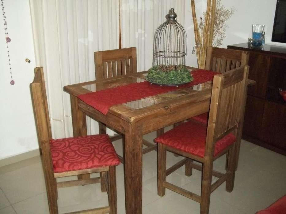 Mesa cerealera 1.20 y 4 sillas !!! Flete gratis !!