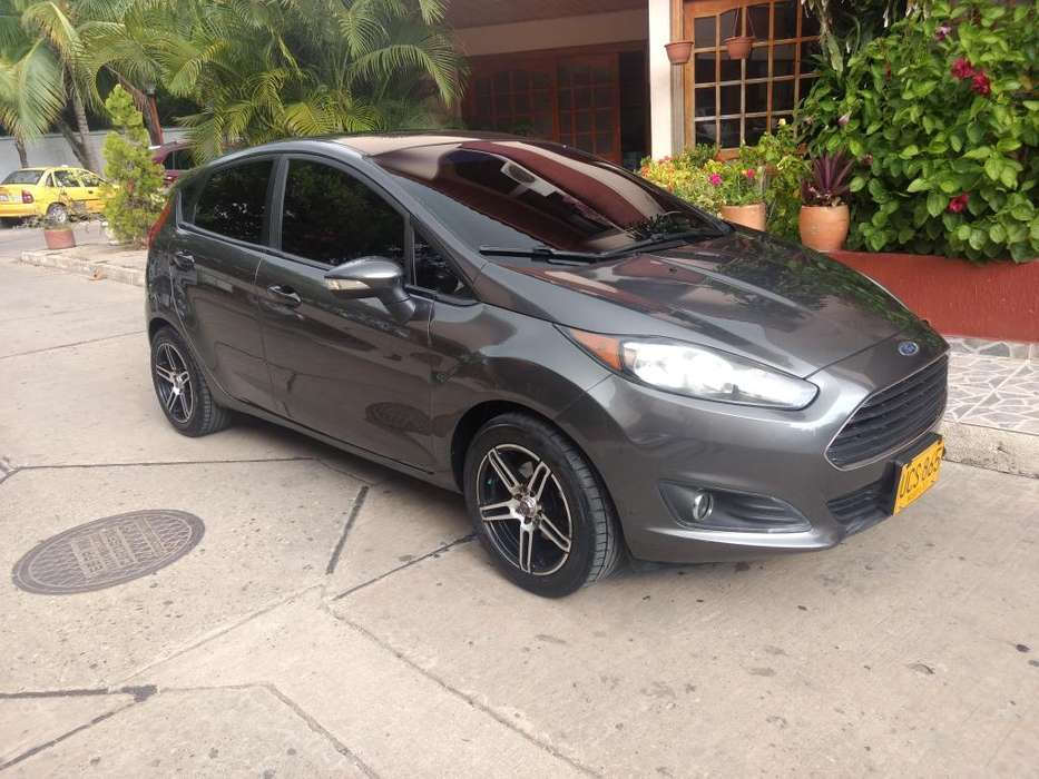 Ford Fiesta  2015 - 100 km