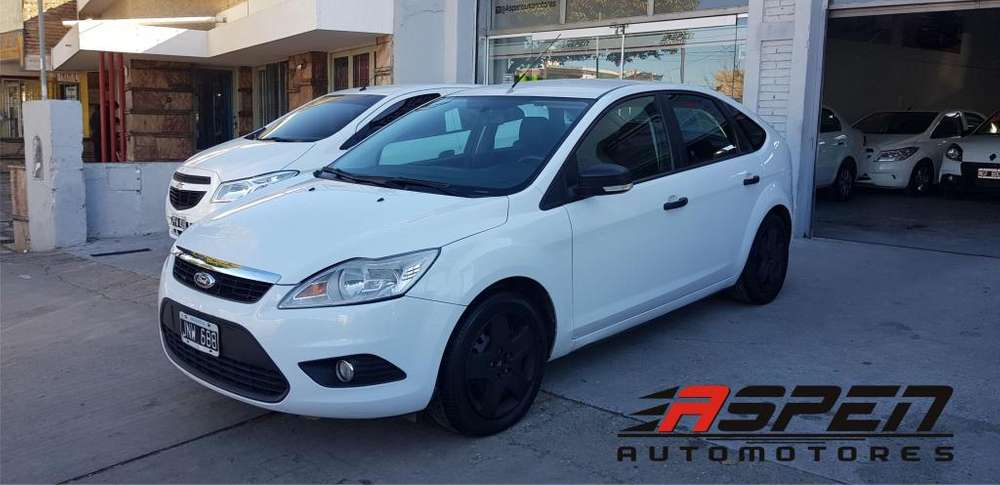 Ford Focus 2011 - 120000 km