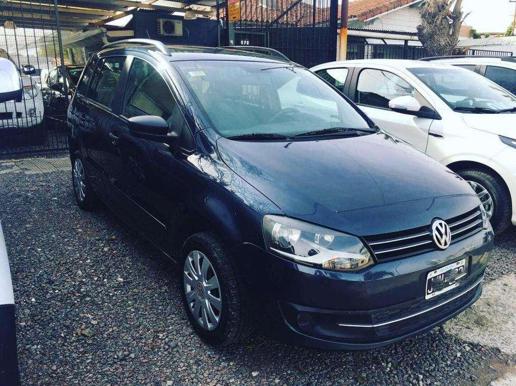 Volkswagen Suran Confortline 2010