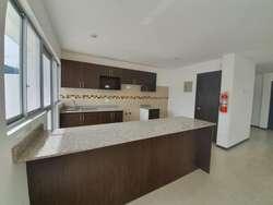 Armenia, casa 170m 3 habitaciones en 3 plantas con piscina dentro de conjunto, amplio patiio