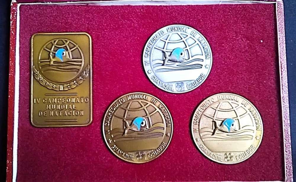Caja De Medallas Originales Campeonato Natación Gquil. 1982, oro, plata y bronce, 80 FIJOS. LOS CEIBOS.