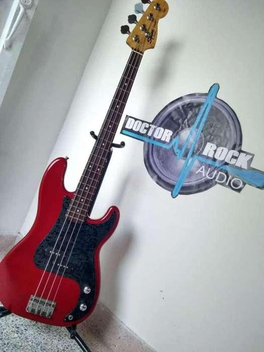 Fender Squier Precisión Bass