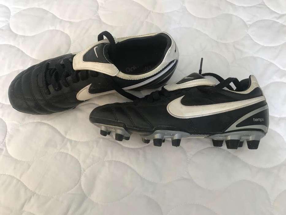 Zapatos de Futbol de mujer seminuevos Pupos Nike talla 36 y 1/2