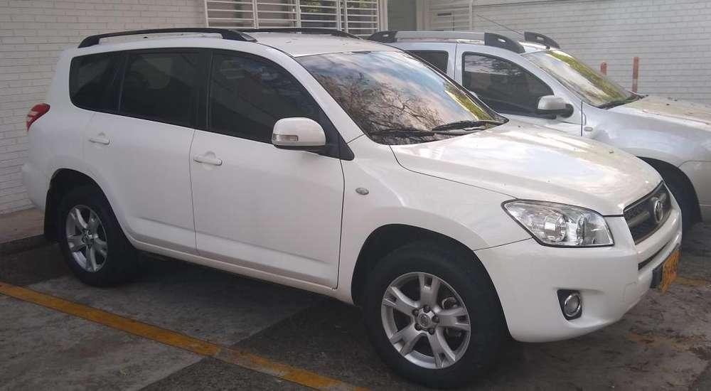 Toyota RAV4 2011 - 83000 km