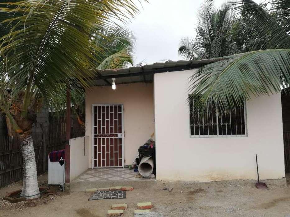 Se Vende Casa Amoblada en Crucita