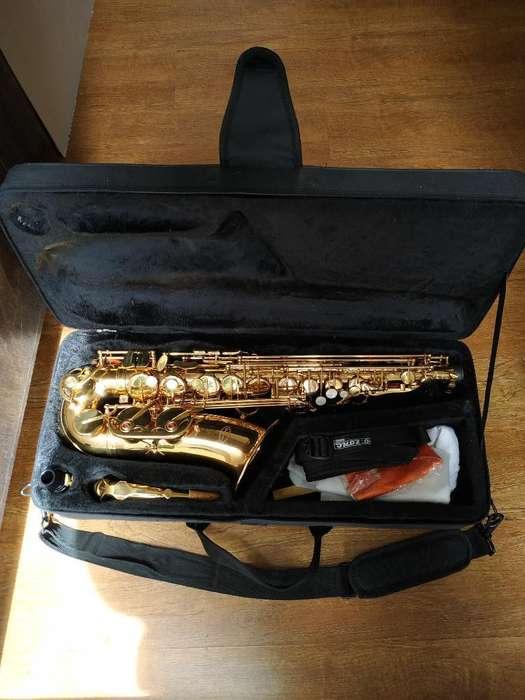 Saxofón Alto Conductor