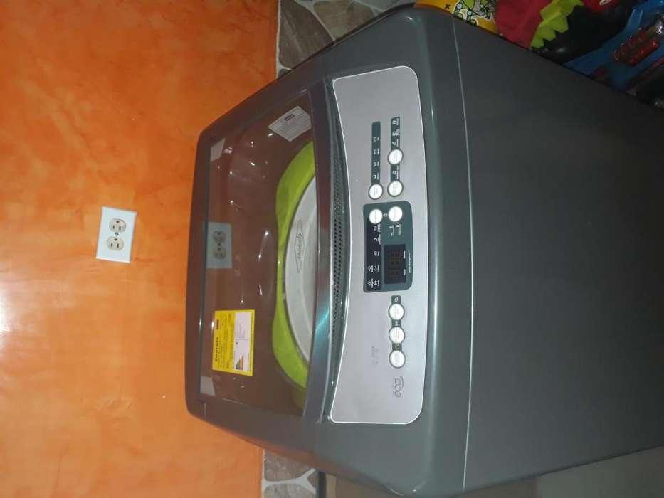 Lavadora Digital 1 mes de uso