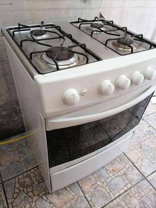 <strong>cocina</strong> encendido a gas buen estado horno gril 0983412804