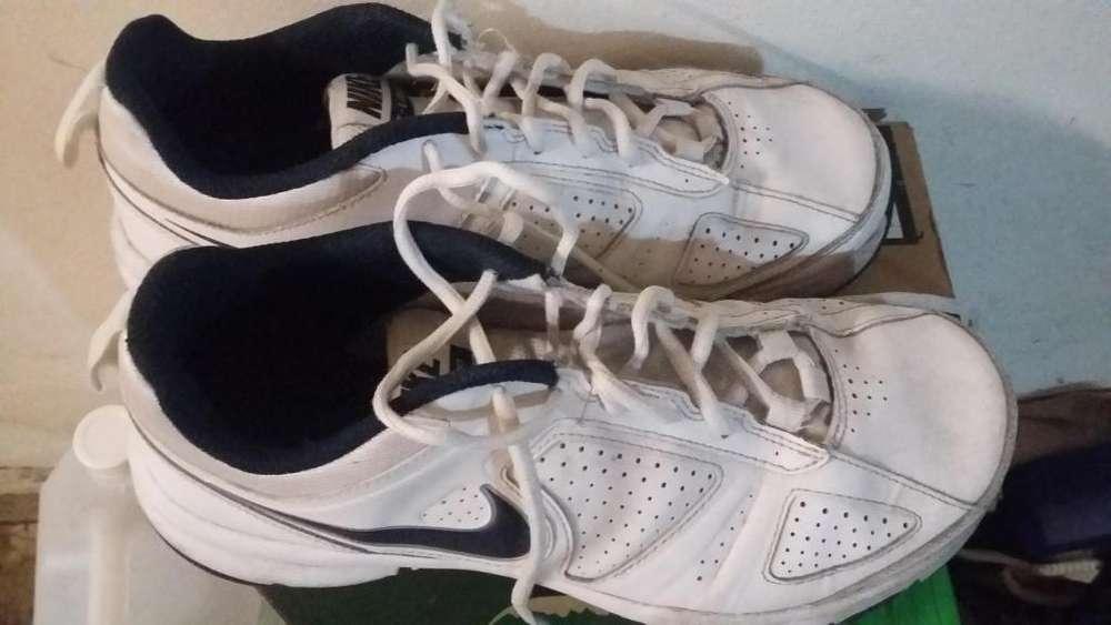Zapatillas Nike cuero blancas
