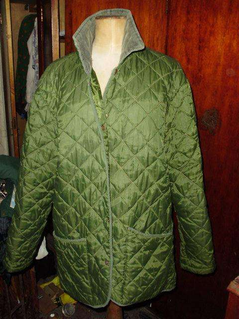 CAMPERA MATELASEE TALLE L NO MONGOMERY