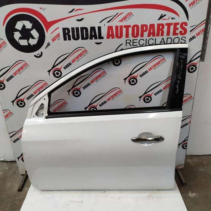 Puerta Delantera Izquierda Nissan Versa 13300 Oblea:03130463