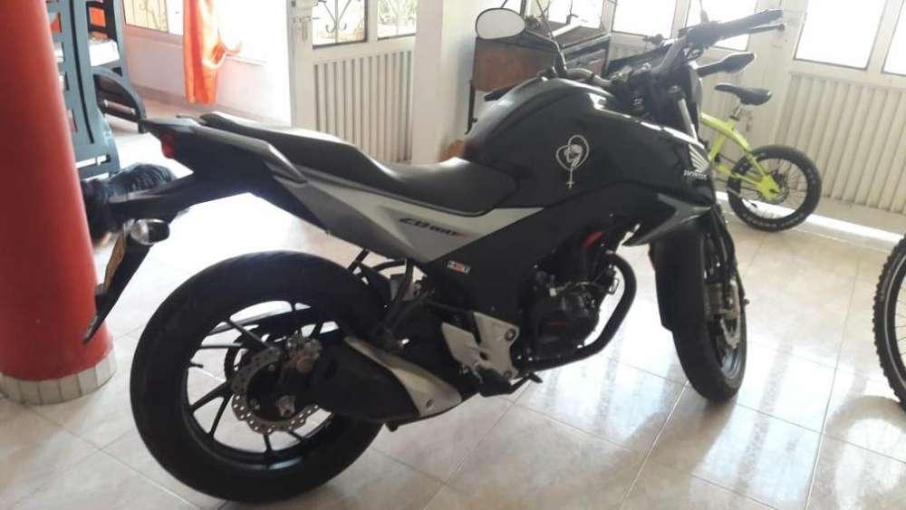 Se vende moto honda inf al 3209538642