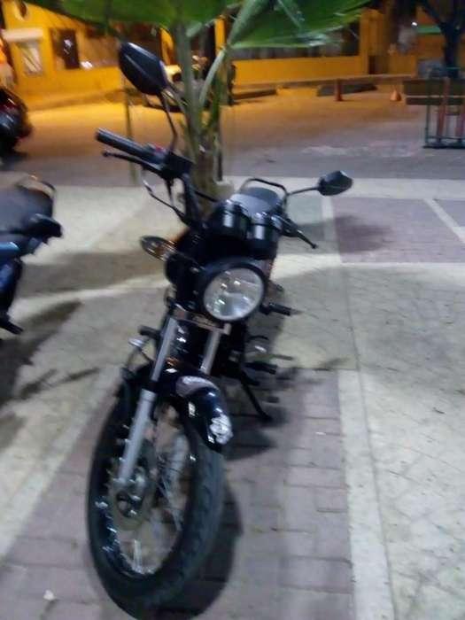Moto Akt Nkd 125 con 15000 Kl Y Papeles