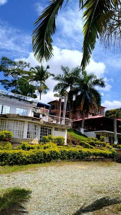 Vendo Finca Hotel Aquarella, en Quindio