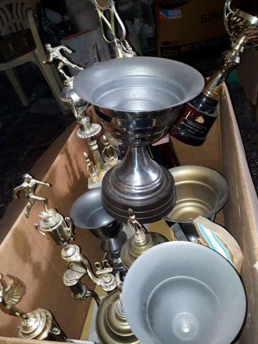 REGALO Trofeos y Copas de Atletismo
