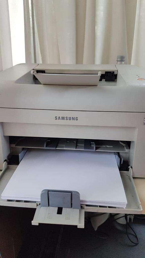 Impresora Samsung ML 2010 mono laser printer